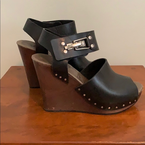 Chloe Shoes - Awesome wedge